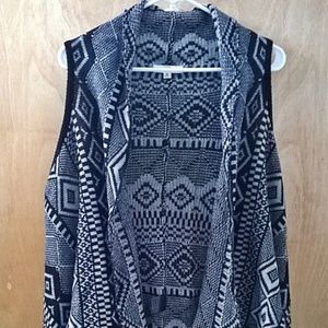 Ethnic Pattern Vest With Tassels